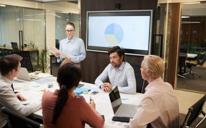 Prácticas en dirección de empresas DECS - Reunion de trabajo